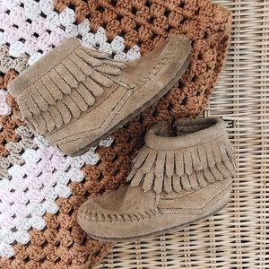 Minnetonka Double Fringe Side ZIP Boot Toddler